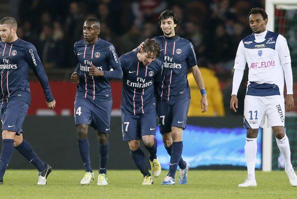 Con un gol, Maxwell se hizo presente en la victoria sobre el Troyes.
