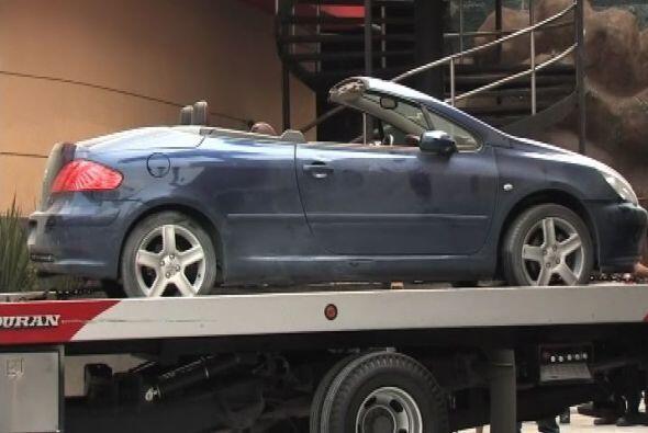 El auto fue recogido afuera del bar donde ocurrieron los hechos y por su...