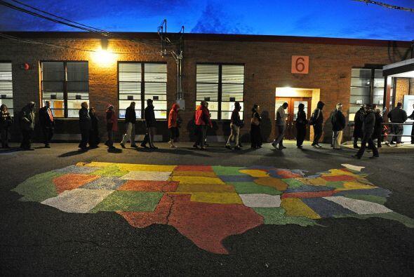 Las líneas eran largas en Point Pleasant, Nueva Jersey, donde los reside...
