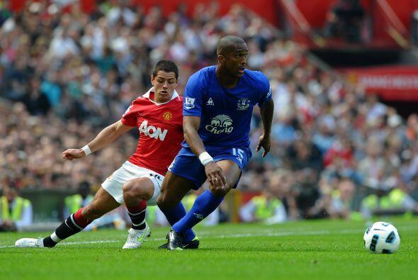 Ya en el segundo tiempo, Ferguson mandó el equipo al ataque. 'Chicharito...