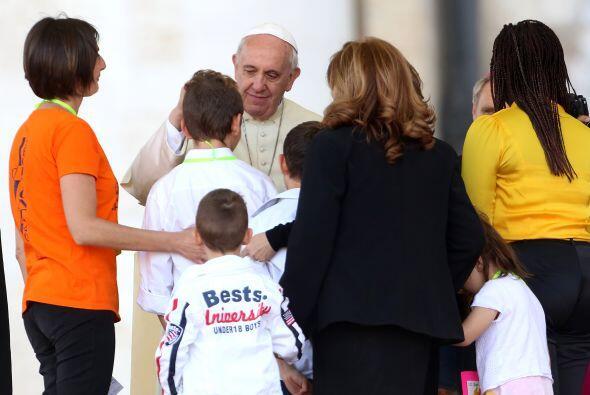 El papa Francisco dedicó este domingo la oración del Regina Coeli, que s...
