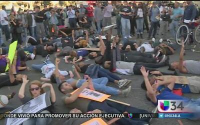 Activistas angelinos piden justicia en Ferguson