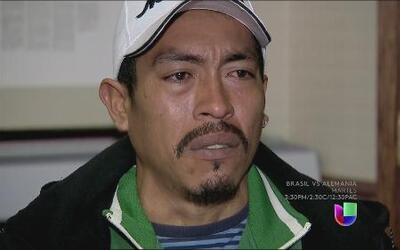 Cientos de miles de hispanos acuden a agencias de trabajo temporal en bu...