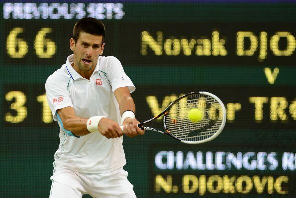 El favorito del torneo, el serbio Novak Djokovic, derrotó con fac...