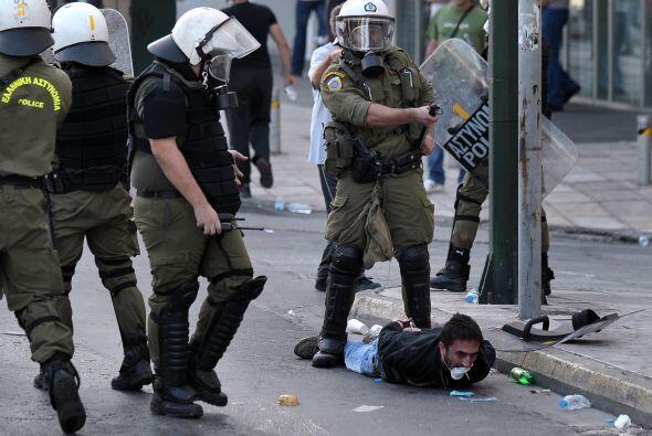Alexis Tsipras, el líder de la mayor fuerza opositora, Syriza, participó...