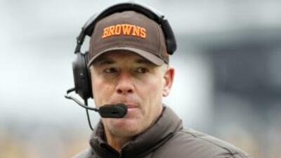 El ex entrenador en jefe de los Cleveland Browns podría ocupar el cargo...