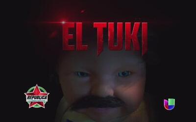 Tuki el muñeco de las suspensiones