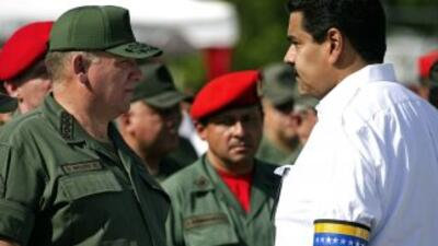 Maduro indicó queentre los objetivos de los supuestos paramilitares que...
