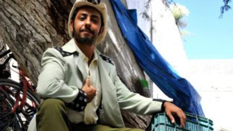 Humberto Busto es Don Apolinar Caborca