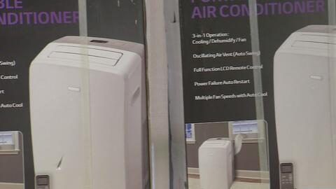 Ancianos reciben de forma gratuita unidades de aire acondicionado en Hou...