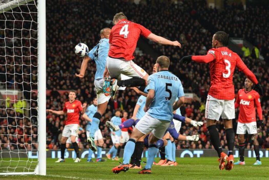 Ese gol ya sucedía en el segundo tiempo, pero el United no tardaría en i...