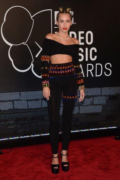 La alfombra de los Video Music Awards 2013 se engalanó con la reb...