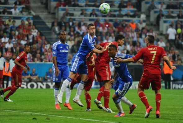 Chelsea se cerró bien y despejó la mayor parte del peligro...