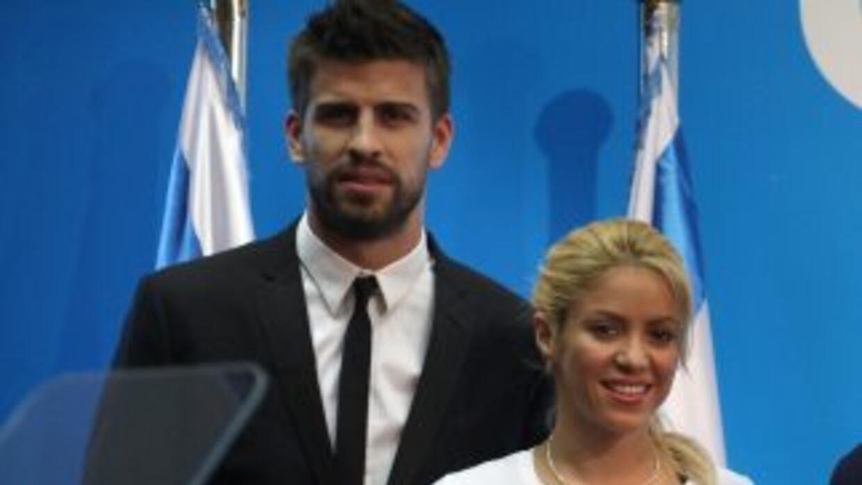 El jugador del Barcelona negó que existan planes de casarse por ahora, p...