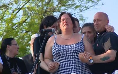 El emotivo llamado a la unidad de una madre que perdió a su hija en el a...