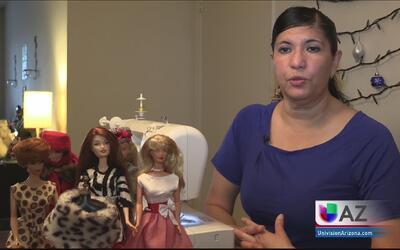 Mujer del Valle sale adelante confeccionando vestidos de muñeca