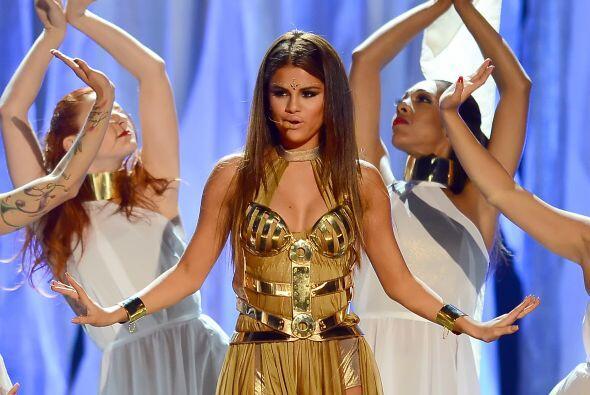 Selena Gomez no sólo la ha lucido en eventos especiales, sino tam...