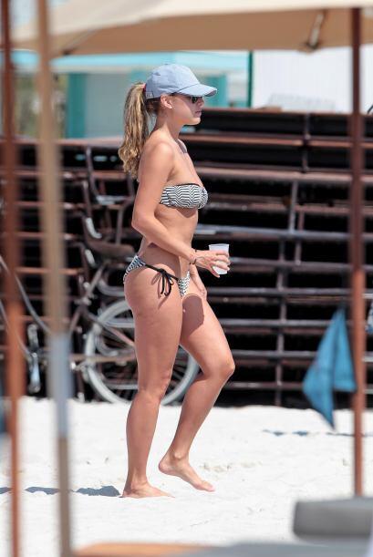 La comentarista de deportes encendió las playas de Miami con su e...