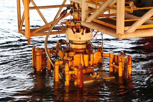 El ritmo al que los reguladores conceden permisos de exploración en agua...