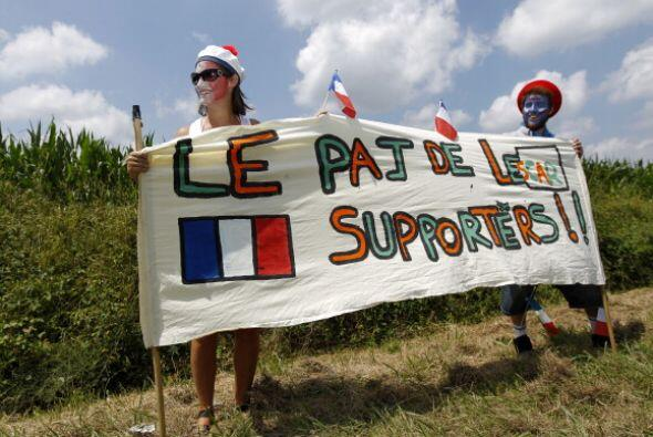 Los franceses apoyan a sus compatriotas; sin embargo, muchos tienen a su...