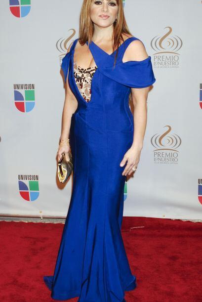 De entre los mejores 'outfits' que recordamos de Jenni Rivera se encuent...