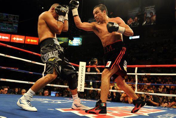 Márquez, de 36 años y con récord de 51-5, impresion...