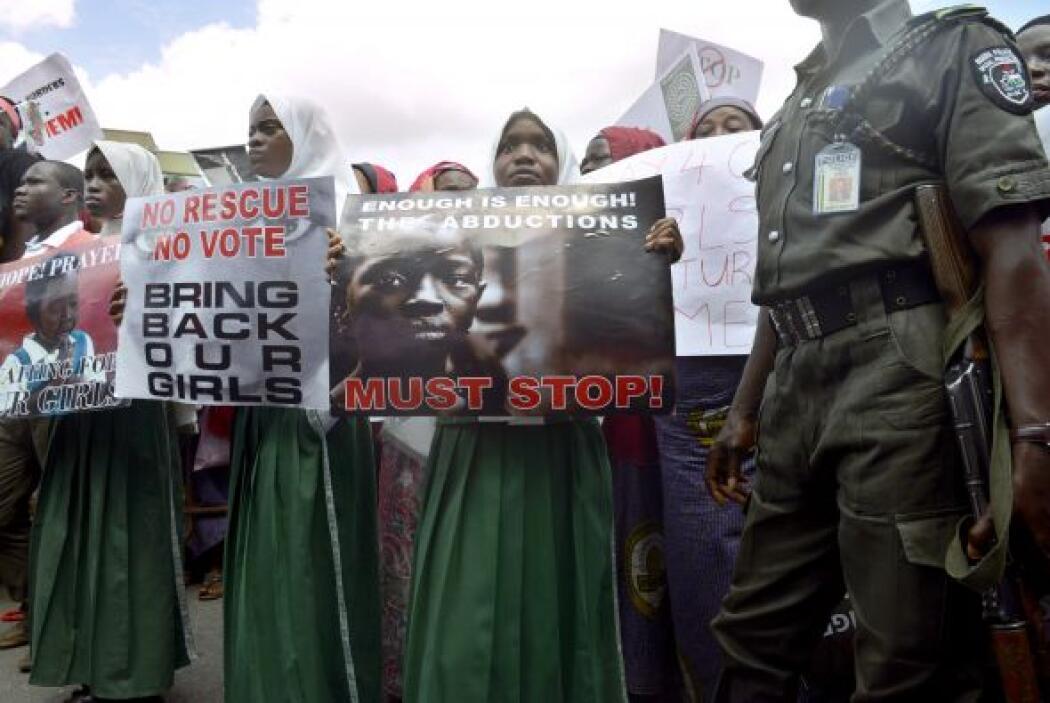 Las calles de Abuja claman por la liberación de más de 200 niñas secuest...