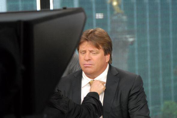 El entrenador de la selección mexicana estuvo en el programa para...