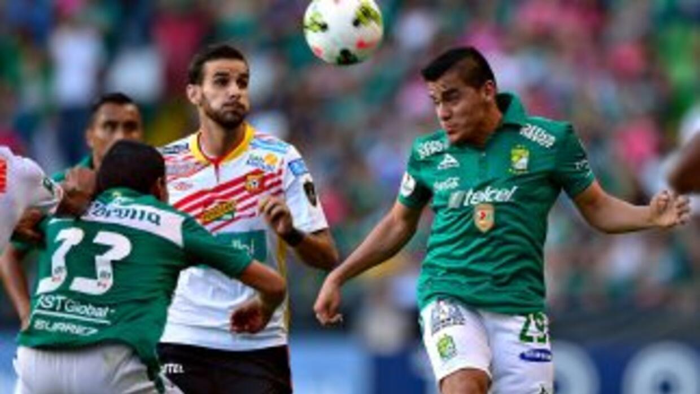 León rescató el empate ante Herediano.
