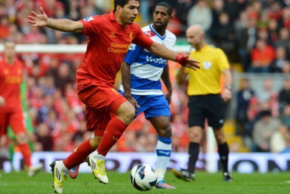 El Liverpool del uruguayo Luis Suárez le ganó al Reading p...