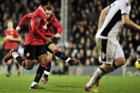 A falta de dos minutos para el final, Wayne Rooney sacó un potent...