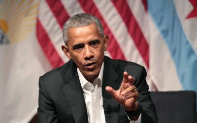 Barack Obama regresó oficialmente a la vida pública nacional y participó...