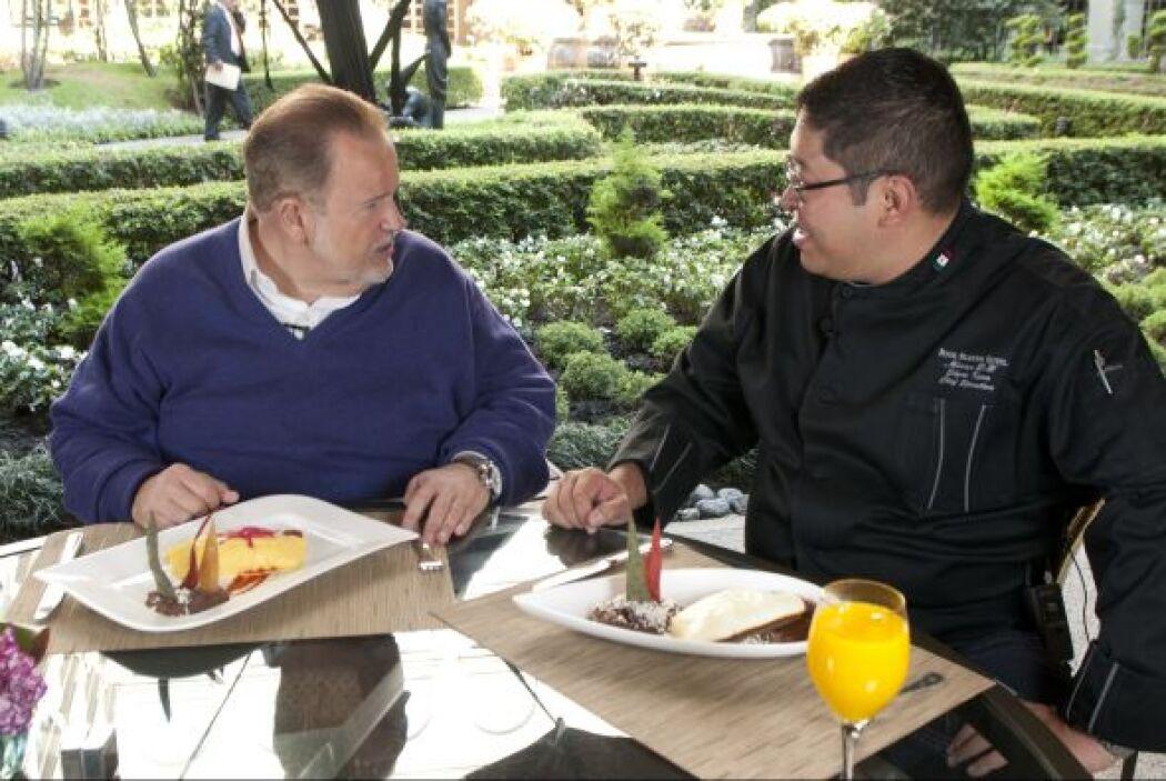 Entre plato y plato, el chef le contó a Raúl de Molina que en México los...