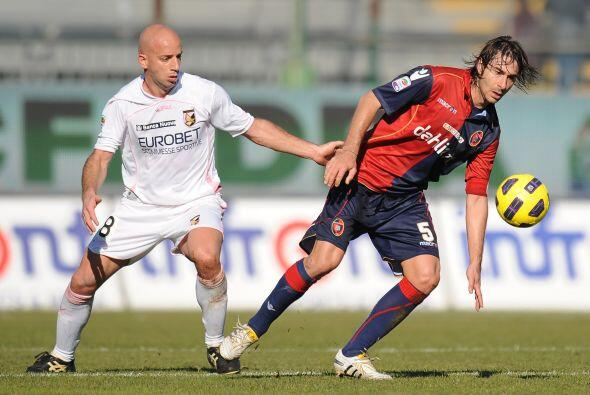 El duelo que abrió la jornada dominical fue el Cagliari ante Pale...