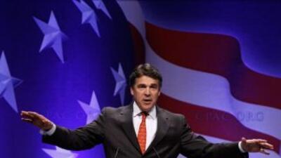 El gobernador de Texas expresó en una conferencia de prensa su apoyo al...
