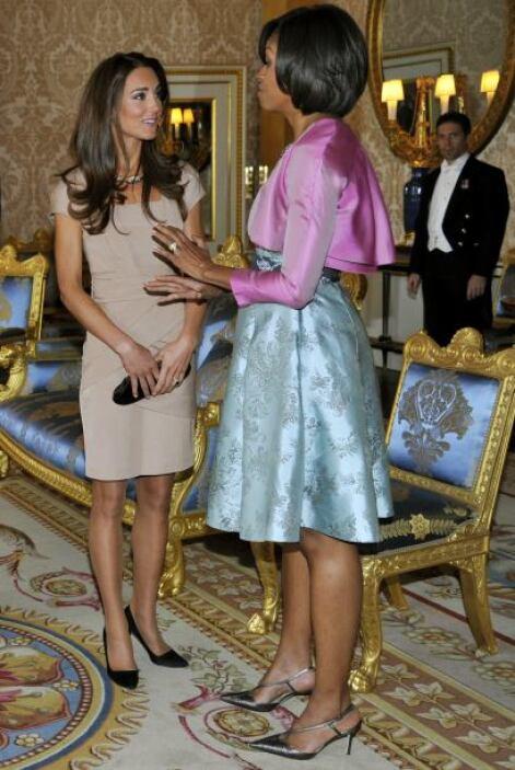 Seguramente aquí estaba intercambiando 'tips' de moda y belleza con otra...