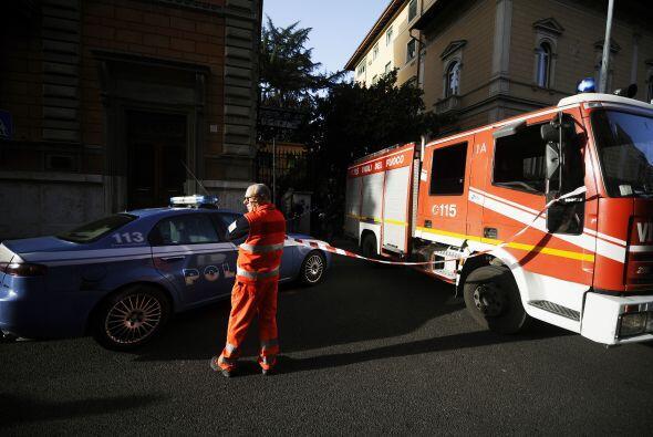 El paquete bomba que estalló en la embajada de Suiza en Roma, no muy lej...