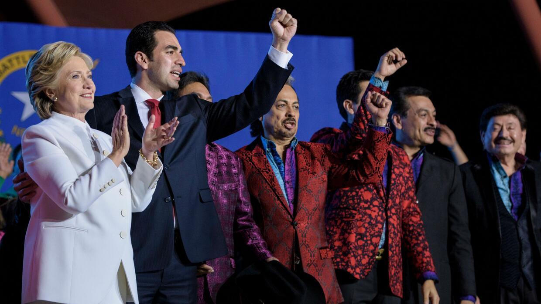 Artistas mexicanos se congregaron en Las Vegas para apoyar a la candidat...
