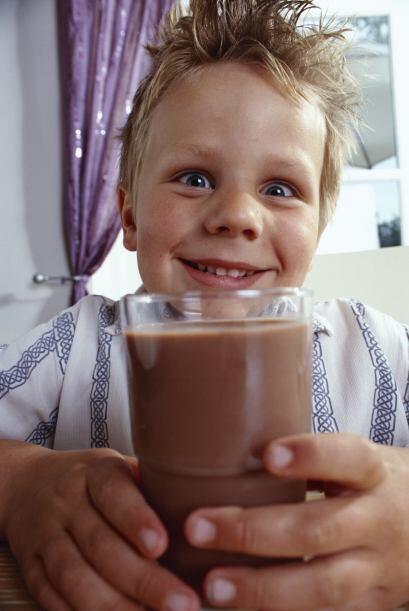 La leche es súper importante para los niños que siempre están en acción....