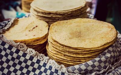 El gran dilema de calentar las tortillas.