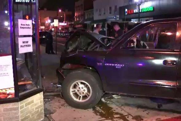Dos de los heridos viajaban en la ambulancia mientras que los otros dos...