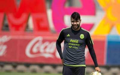 """Néstor Araujo: """"Estando en selección nacional ya es ganancia"""""""