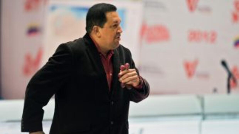 El presidente Hugo Chávez continúa con sus sesiones de radioterapia.