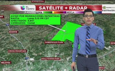 Lluvias en San Antonio desatan alerta de inundaciones repentinas