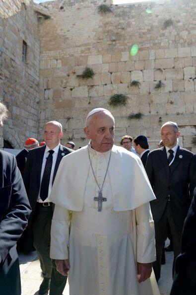Salomón pretendía sustituir al Tabernáculo como único centro de culto de...