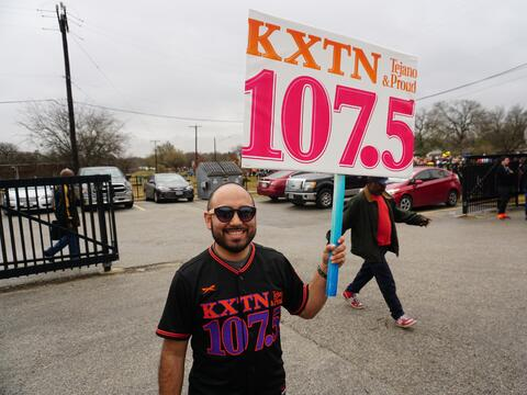 KXTN joined the thousands of people making their way down to Pittman-Sul...