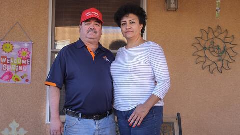 Los esposos Segura Campos se conocieron a través de una tí...