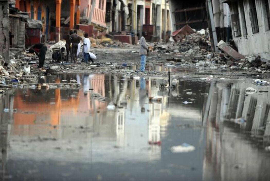 Un alud arrasó con una decena de viviendas y obligó a evacuar a unas 300...