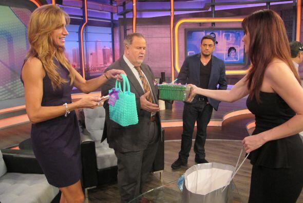 La actriz les llevó regalos a los conductores.