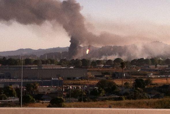 AGOSTO   Explosión en la refinería Chevron de Richmond  Residentes del á...